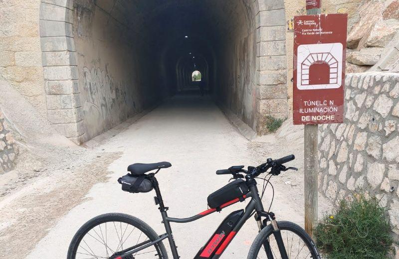Primer túnel de la ruta