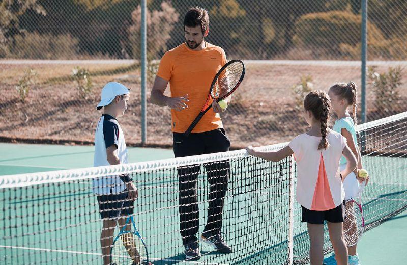 Clase tenis niños