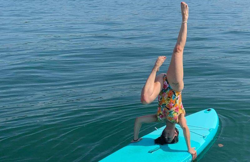 yoga paddel surf