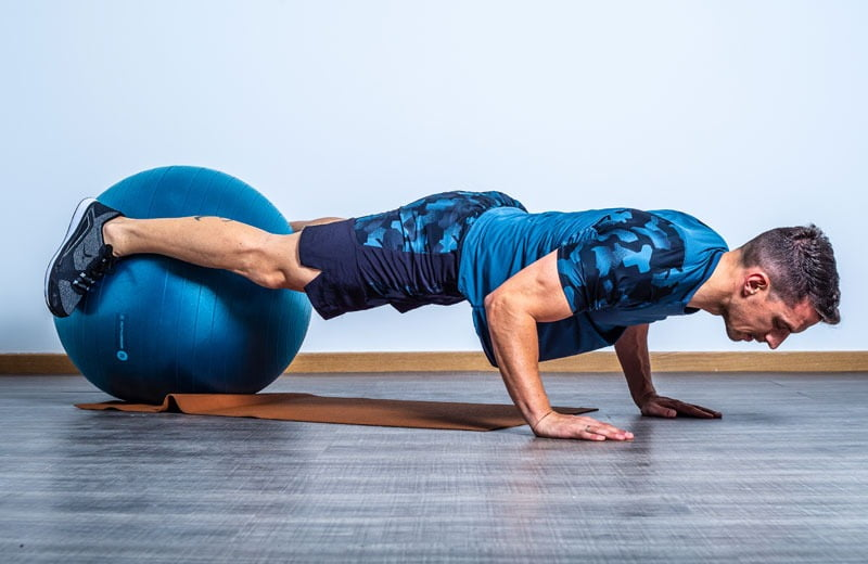 elevacion-fitball-piernas1