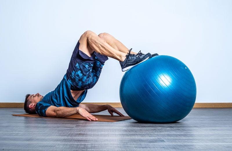 elevacion-gluteo-fitball