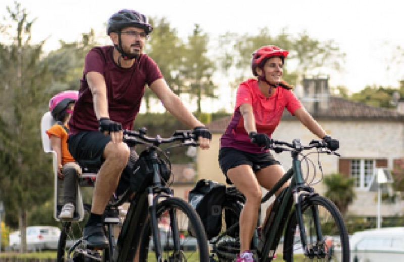 Bicicleta trekking electrica familia
