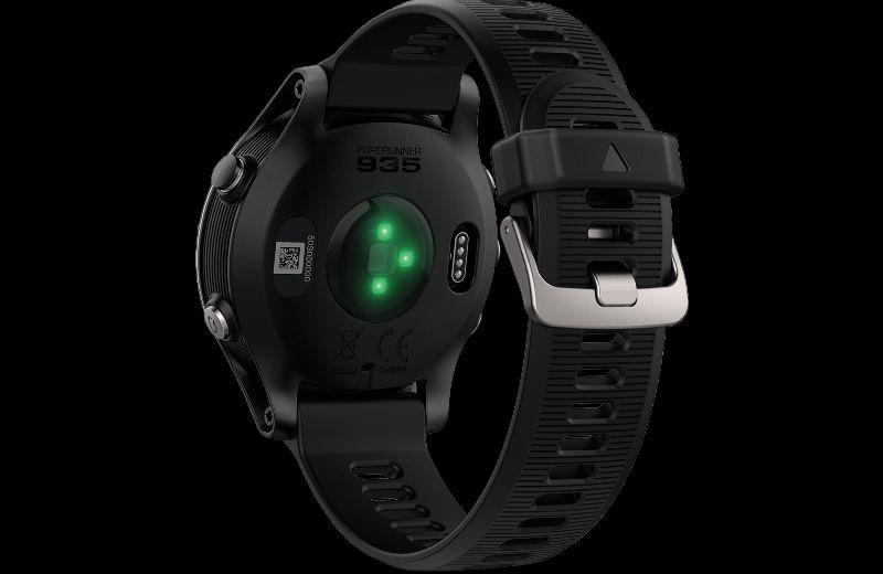 GARMIN Montre GPS Forerunner 935 - 202 --- Expires on 02-12-2028