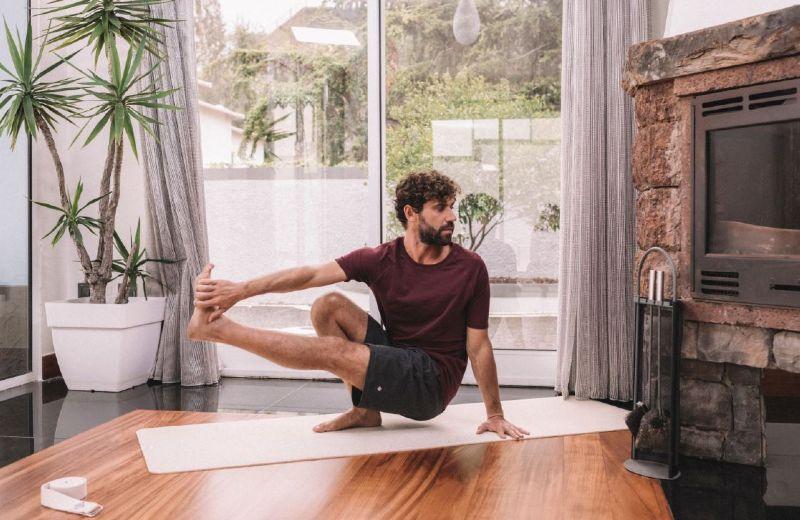 Cómo empezar a practicar yoga en casa | Comunidad Decathlon