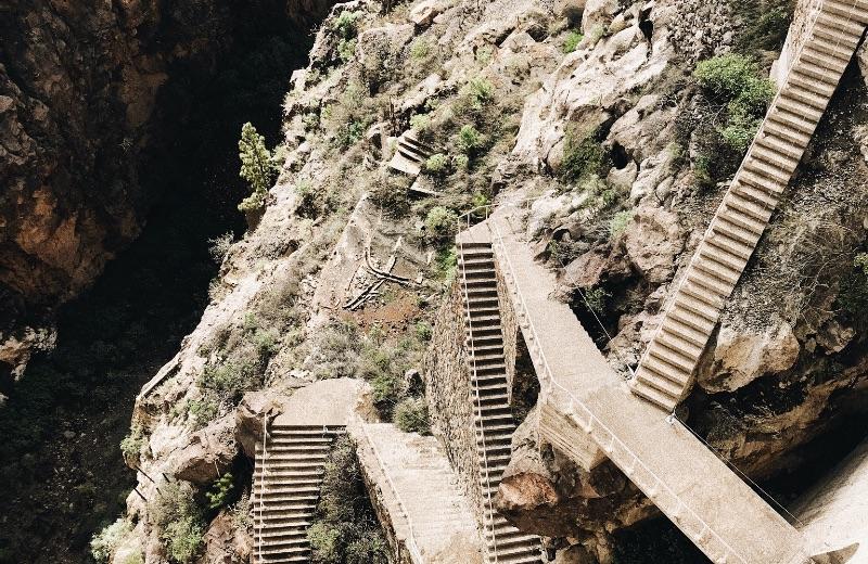Escaleras de la presa.