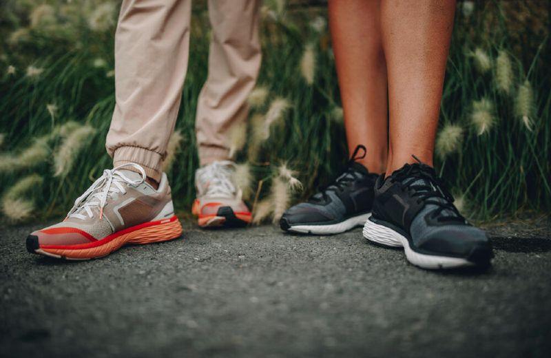 Run confort chica naranja negra
