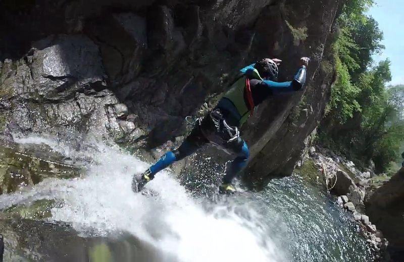 Salto de 6 metros en cascada