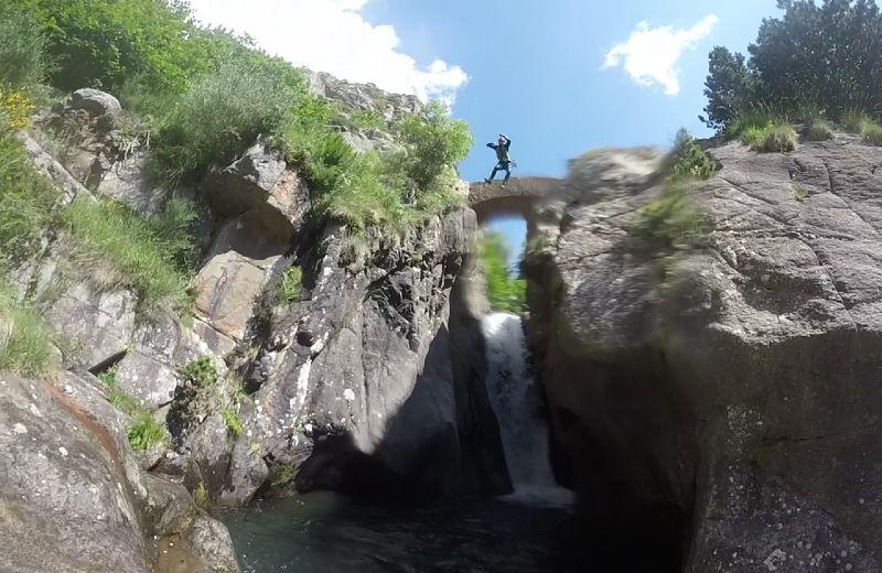 Salto del sastre de 12 metros