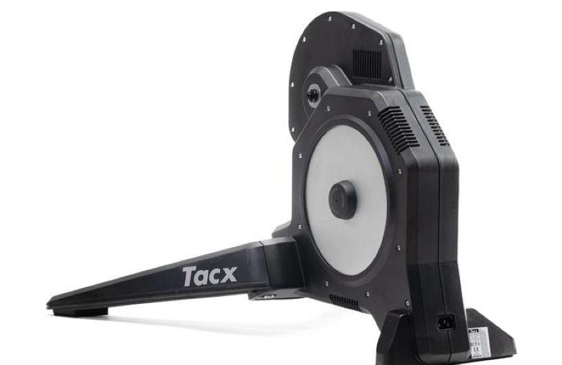Rodillo+de+entrenamiento+INTERACTIVO+Tacx+Flux+Direct+Drive+1500+VATIOS