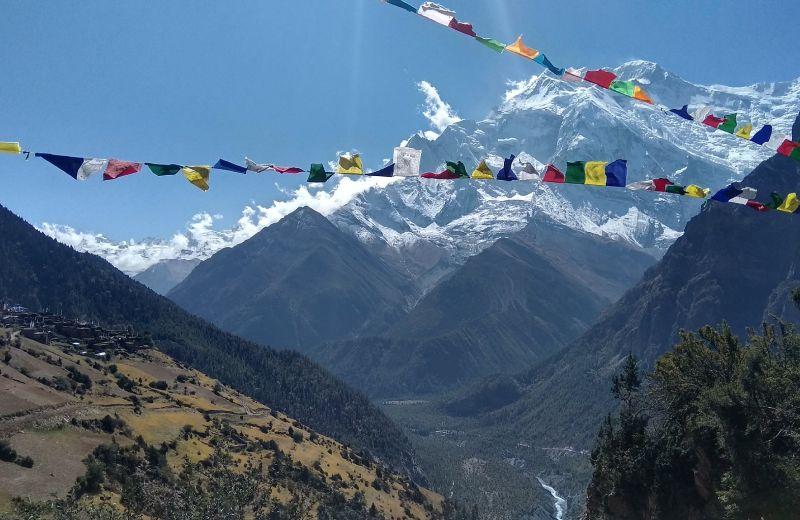Annapurna II visto desde Ngawal