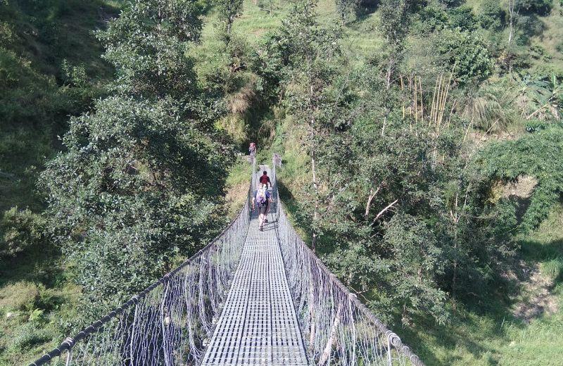 Primer puente Tibetano en Besisahar