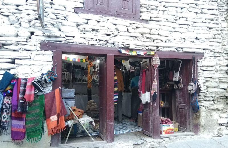 Típica tienda en Marpha