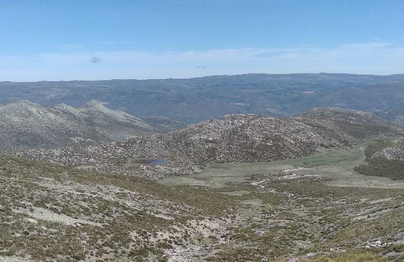 Vista hacia la Laguna del Cervunal