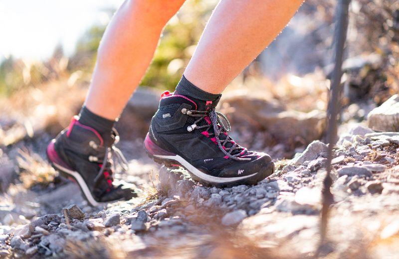 Zapatillas Quechua MH500 bota caña alta senderismo