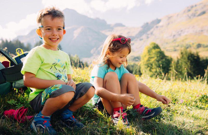 Niños en la montaña