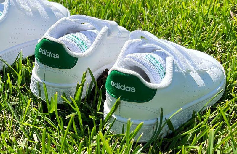 zapatillas adidas blancas verdes bebé primeros pasos