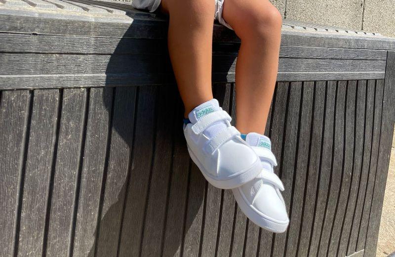 zapatillas tenis adidas blancas verdes niño advantage