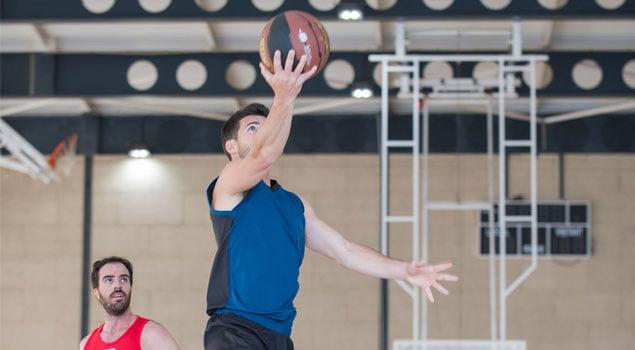 contraataque en baloncesto-defensa