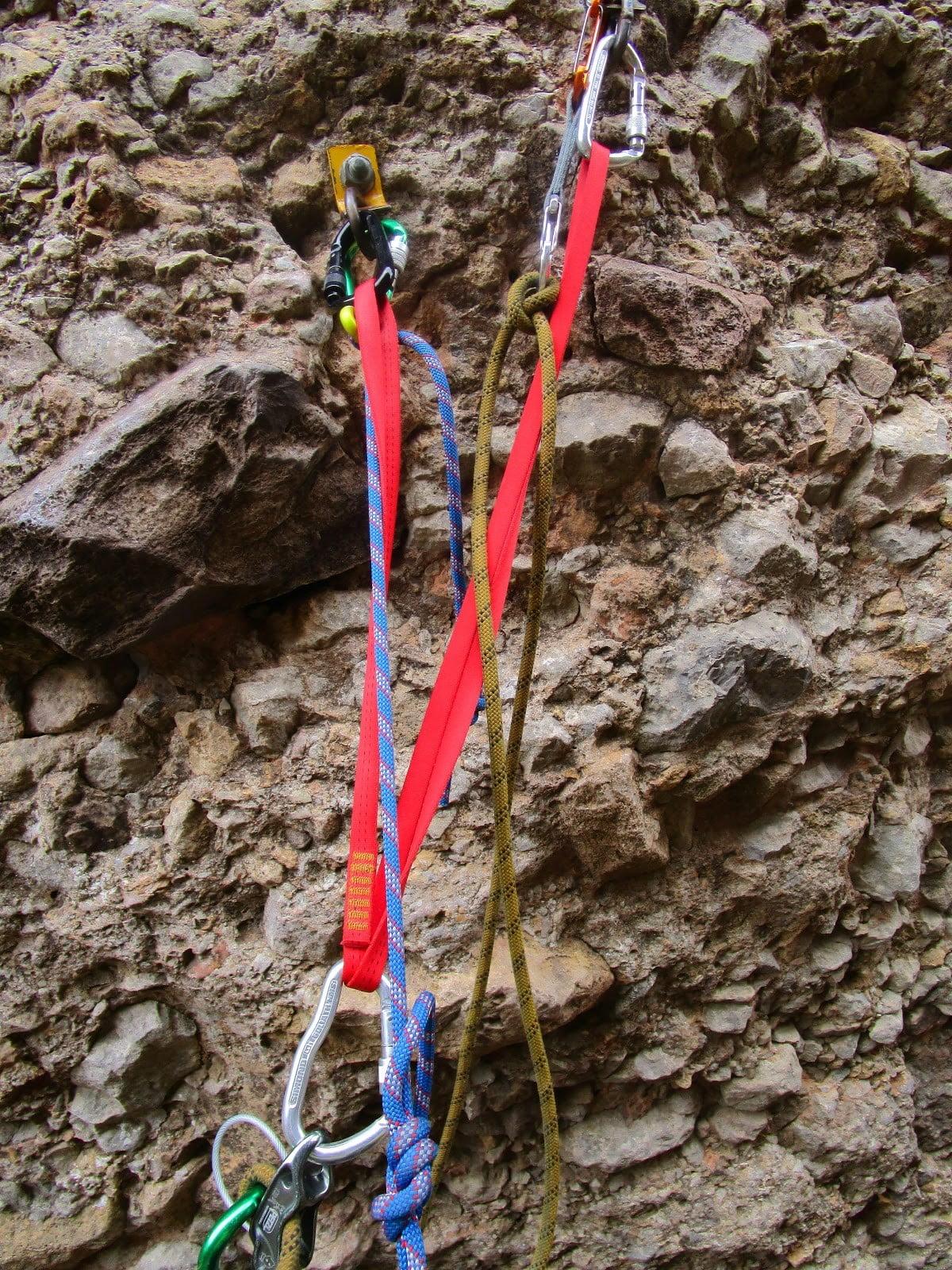 escalando la aguja roja mallos huesca aragon escalada