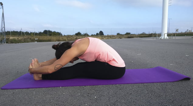 posturas de yoga paschimottasana