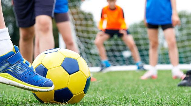 pelota-jugar-futbol