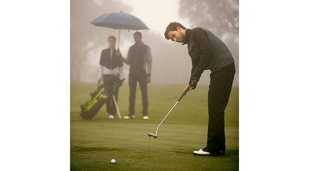 Jugar al golf con viento