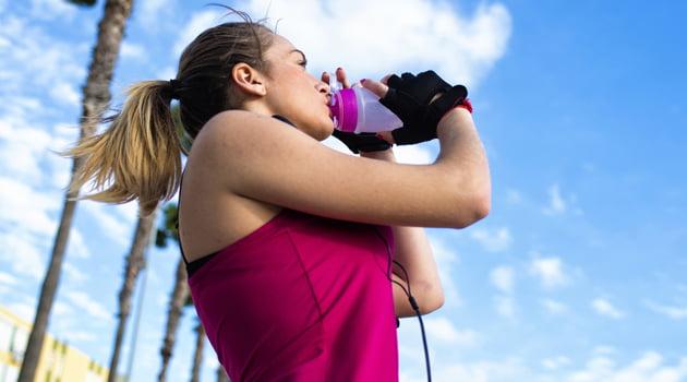 beber agua antes de ejercicio