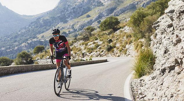 mujer ciclista